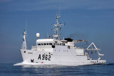 The research vessel Belgica is 50.9 m long and 10 m wide.Its cruising speed is 12 knots (22 km/h), which allows it to travel 5000 miles in 20 days. (photo: RBINS)